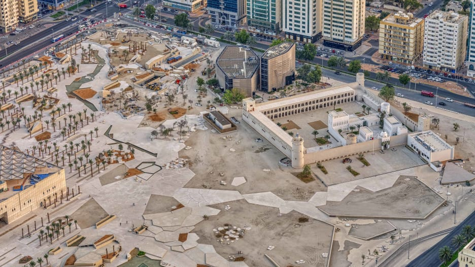 قصر الحصن.. أقدم بناء في أبوظبي يحتضن مهرجانا تراثيا