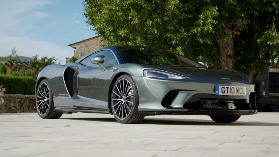 ماكلارين GT.. سيارة بإمكانيات تتجاوز حدود السرعة