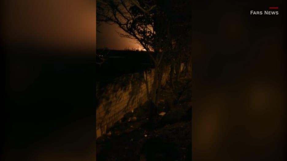 شاهد.. لحظة تحطم طائرة ركاب أوكرانية بعد إقلاعها من إيران