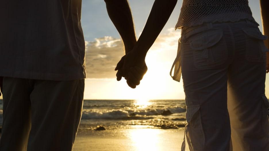 هل يزيد الزواج السعيد من عمرك؟
