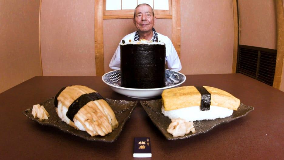 تعرف على أكبر قطعة سوشي في اليابان