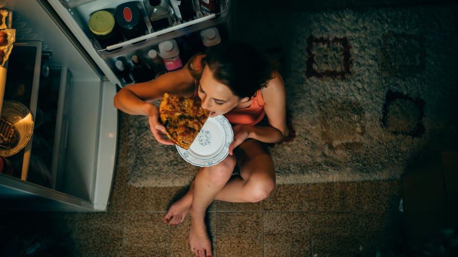 ما علاقة تناول الطعام في المساء وصحة القلب؟