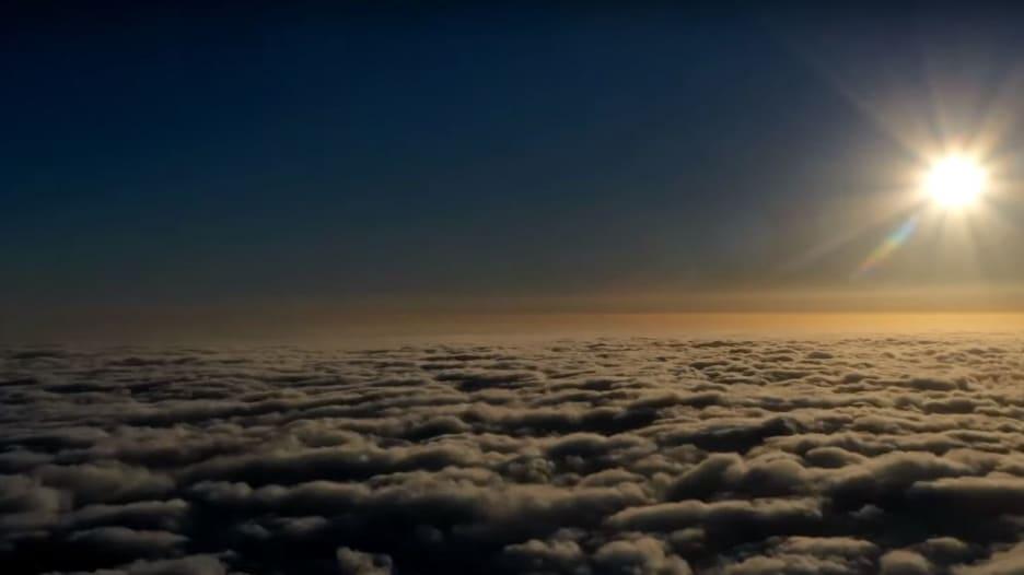 سحب فوق جبال الحشر بالسعودية