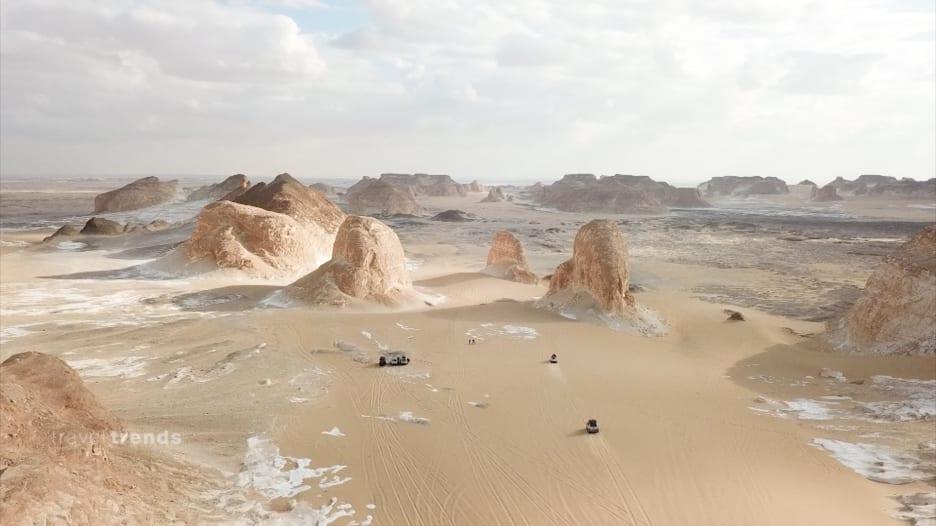 الصحراء الغربية بمصر.. عش المغامرات وكأنك خارج كوكب الأرض