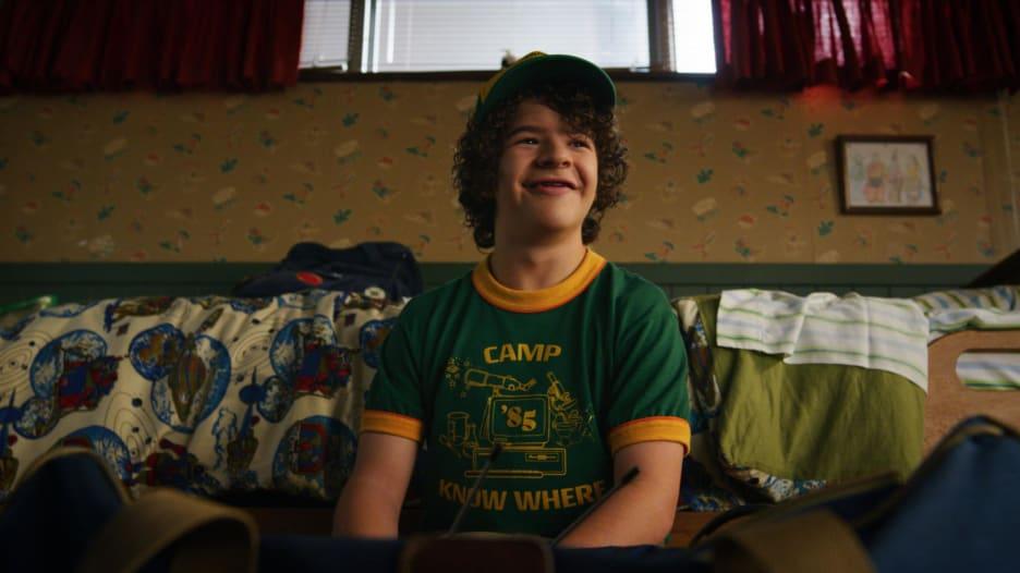 """ممثل مسلسل """"Stranger Things"""" يسلط الضوء على مرض نادر"""