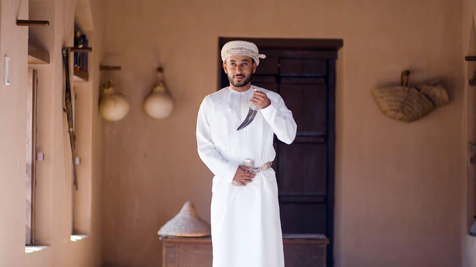 كيف تصنع الخنجر المثالي في سلطنة عُمان؟