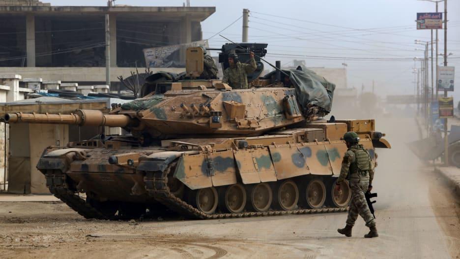 مراسلة CNN توضح القلق من رد تركيا بسوريا: لم يتلقوا ضربة كهذه منذ 1990