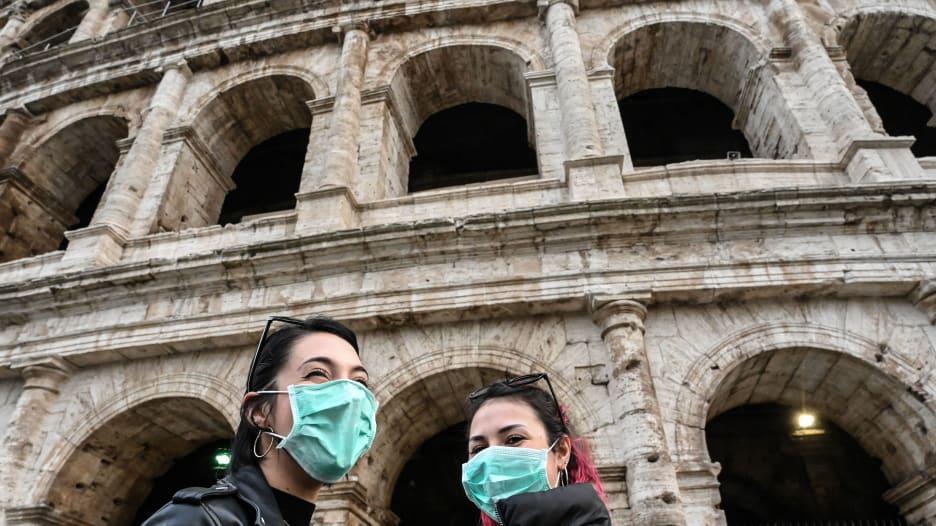 انتقادات تطال الحكومة الإيطالية بسبب تعاملها مع فيروس كورونا