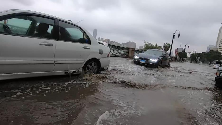"""مصر تواجه موجة """"غير مسبوقة"""" من الطقس السيئ"""