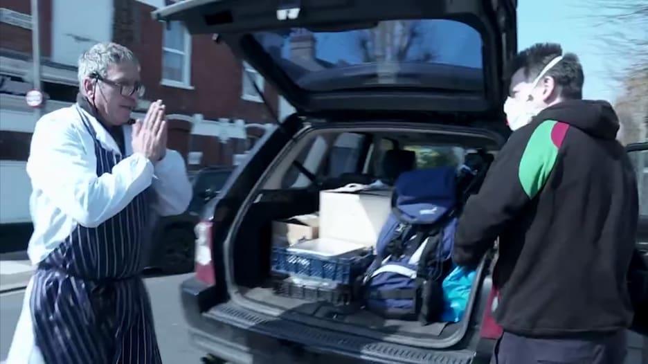 وسط وباء كورونا.. هكذا يقدم زوجان دعمها لموظفي الخدمات الصحية ببريطانيا