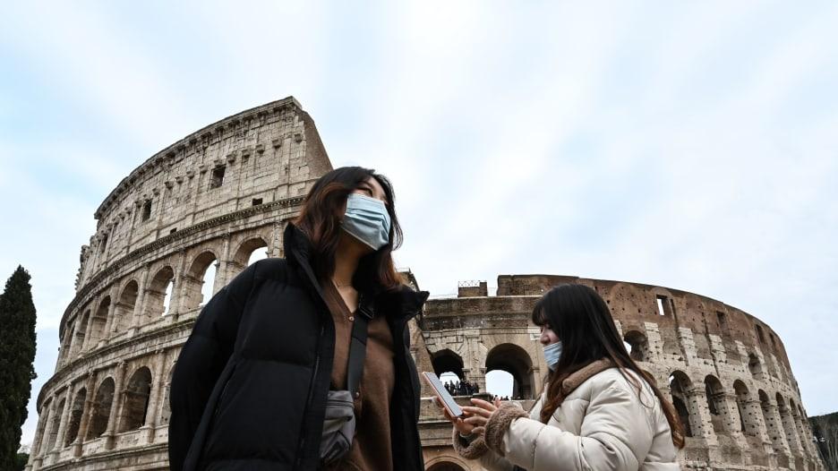 """إيطاليا تواجه """"كابوسًا مستمرًا"""" في مكافحة فيروس كورونا"""