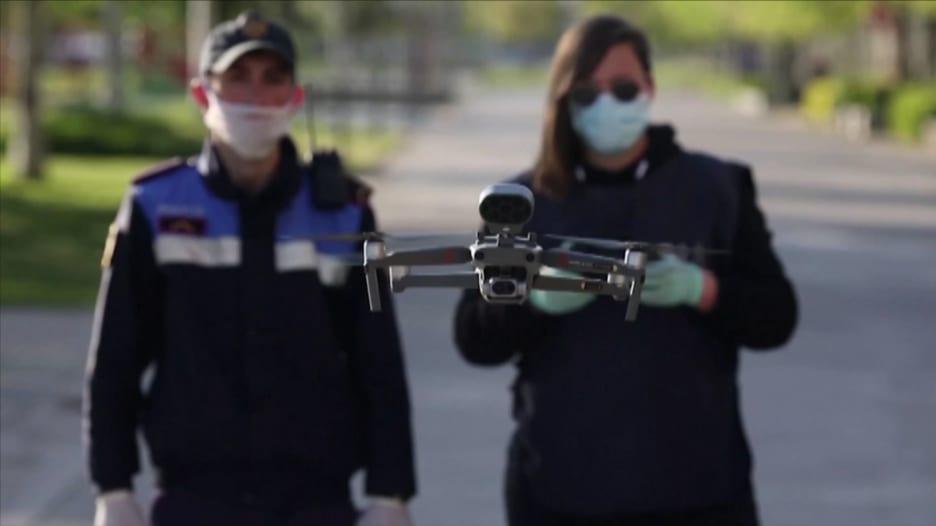 كيف ساعدت الطائرات بدون طيار في مكافحة فيروس كورونا؟
