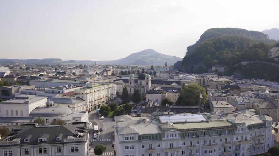 ألمانيا والنمسا يعيدان فتح حدودهما لإعادة تنشيط السياحة