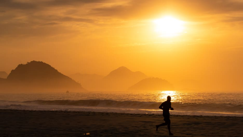 4 طرق لزيادة فعالية رياضة المشي
