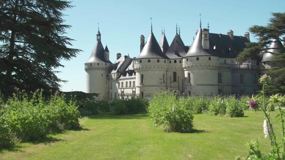 شاهد كيف تبدو مواقع سياحية أيقونية في فرنسا الآن