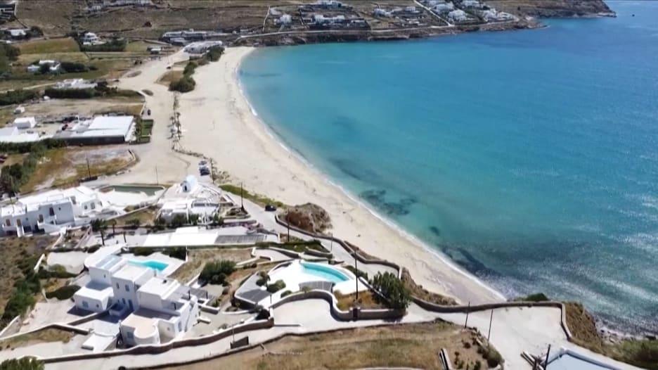 بعد أن نجحت في كبح انتشار فيروس كورونا داخل حدودها .. اليونان تستأنف الموسم السياحي في 15 يونيو