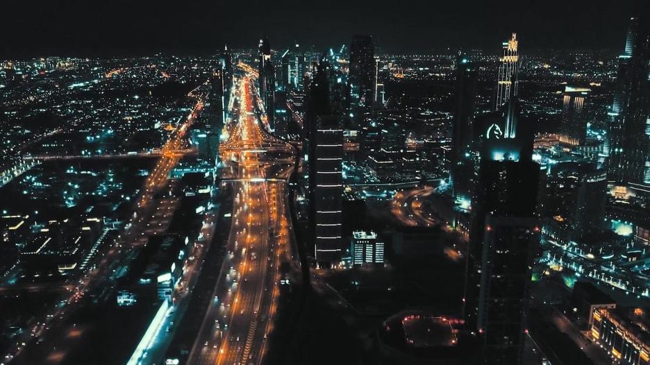 لقطات درون دبي ليلاً المصور معاذ بوخش