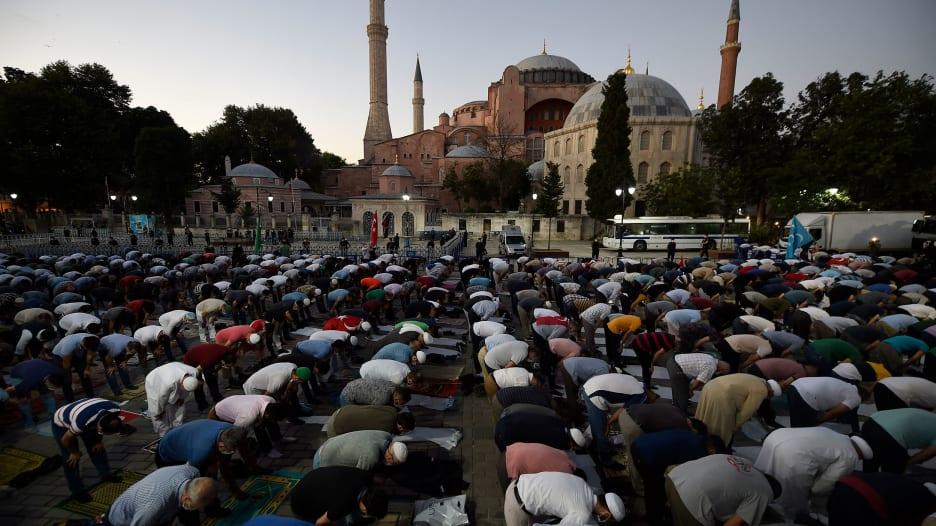 بعد تحويله إلى مسجد.. تاريخ آيا صوفيا من العهد البيزنطي إلى تركيا الحديثة