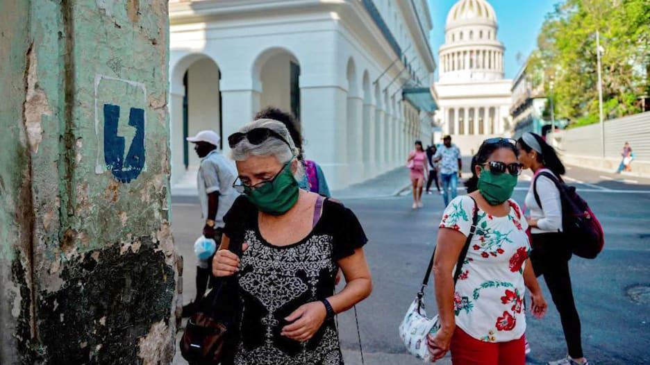 كيف تمكنت كوبا من تسطيح منحنى حالات فيروس كورونا في المنطقة الأكثر تضررا في العالم؟
