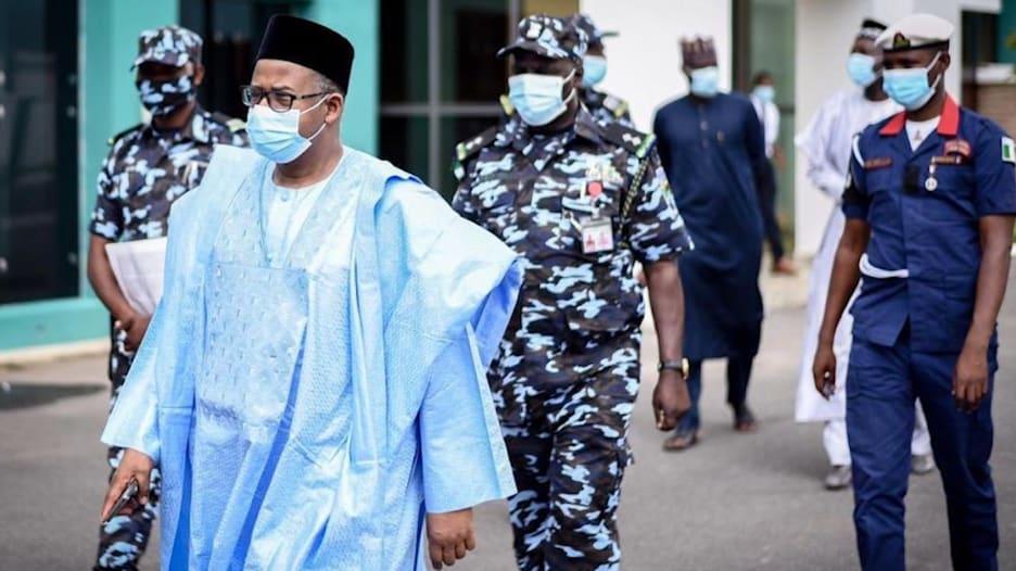 فيروس كورونا يستهدف الطبقة الحاكمة أكثر من غيرها في نيجيريا.. والسبب؟