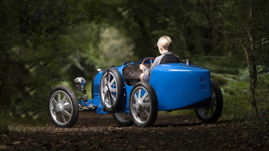 """سيارة """"بوغاتي بيبي 2"""" للأطفال والبالغين بسعر 68 ألف دولار"""