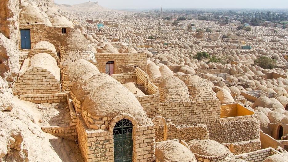 """اكتشف قرية """"زاوية الأموات"""" في القاهرة"""