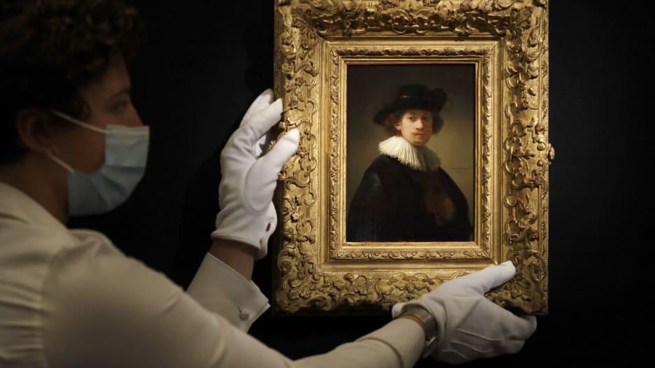 رسمة ذاتية للفنان الهولندي رامبرانت تكسر رقماً قياسياً في مزاد افتراضي
