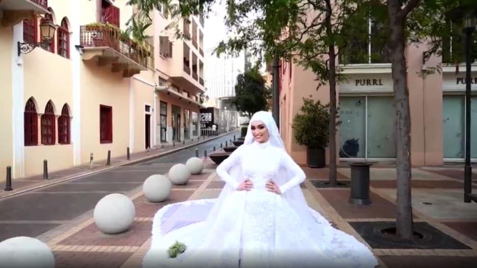 شاهد رد فعل عروس لحظة وقوع انفجار بيروت