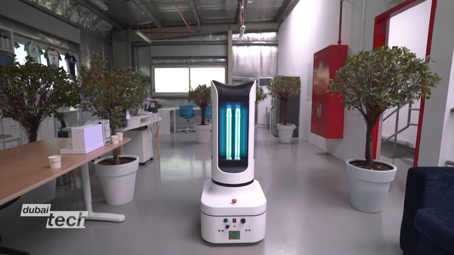 في دبي.. شركة تطلق روبوتاً يساعد في مكافحة فيروس كورونا