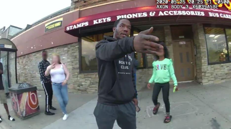 فيديو جديد لاعتقال فلويد.. هكذا كانت تصرفات الشهود المذعورين