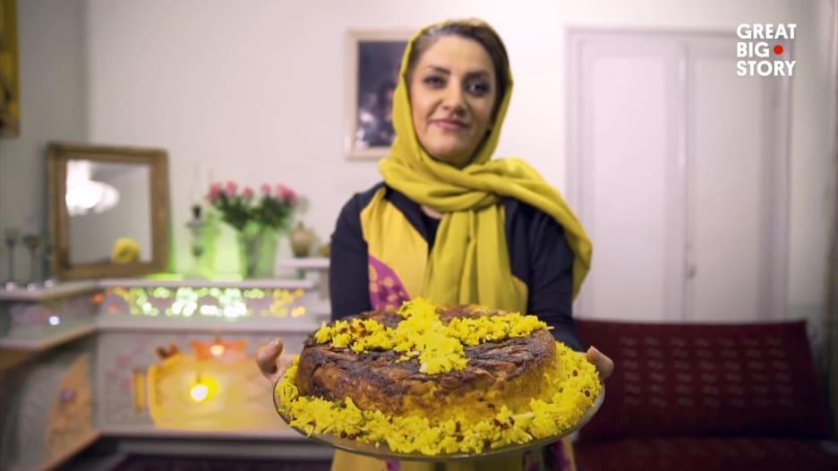 """تعرف إلى كعكة الأرز الإيرانية.. """"تهشين"""""""