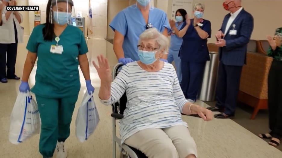 هذه المرأة تغلبت على فيروس كورونا قبل أسابيع قليلة من عيد ميلادها المائة