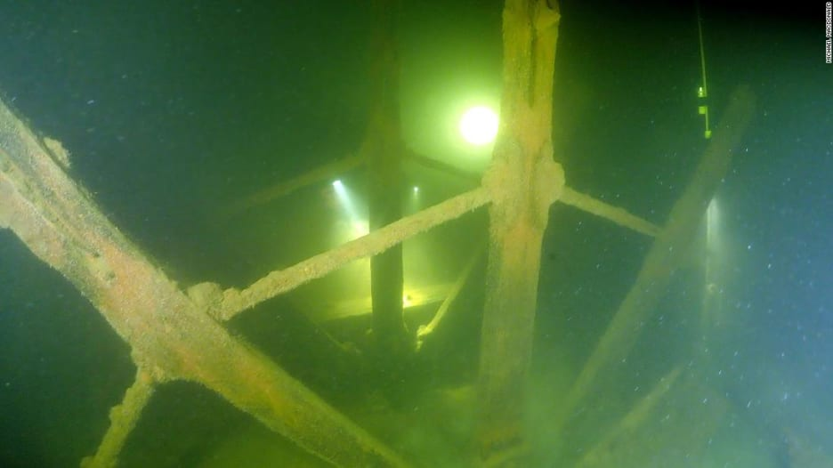 شاهد ما الذي اكتشفه هذا الغواص بالصدفة في أعماق المياه