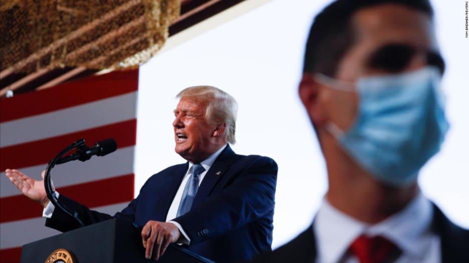 في أسبوع حافل.. ماذا فعل ترامب وبمن احتك قبل تشخيصه بفيروس كورونا؟