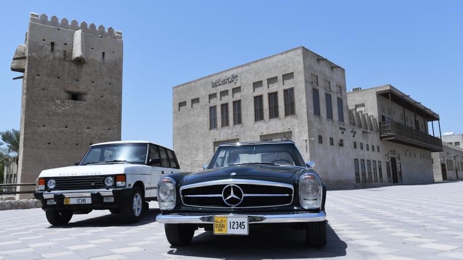 لوحات أرقام جديدة لسيارات دبي الكلاسيكية وهذه شروط الحصول عليها