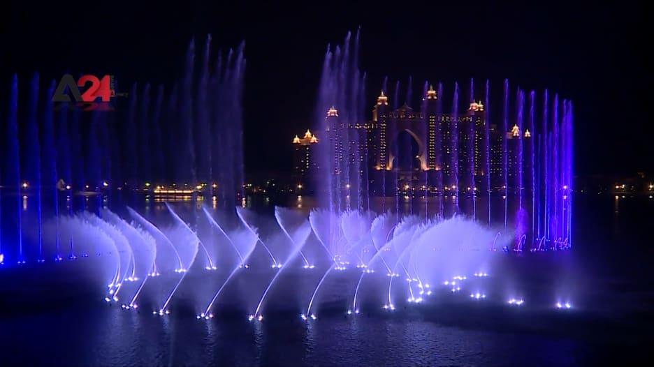 في دبي.. حطمت هذه النافورة الرقم القياسي لكونها الأكبر في العالم