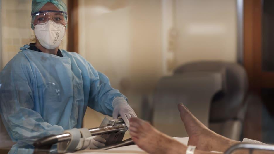مع زيادة الإصابة بفيروس كورونا.. المستشفيات البلجيكية قد تنفد من أسرة العناية المركزة خلال 15 يوماً