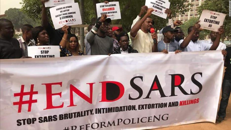 كل ما قد تحتاج معرفته عن مظاهرات نيجيريا