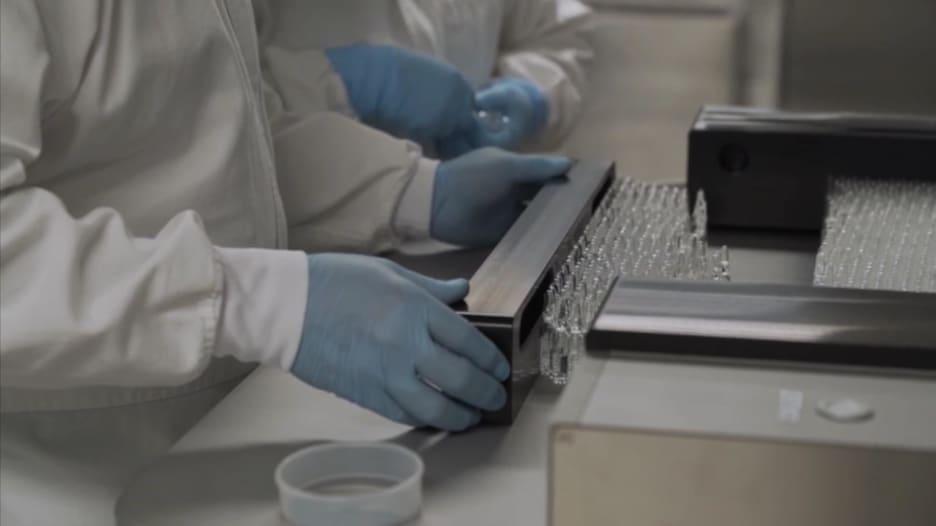 من قلب مختبر مكسيكي.. تمويل 6 تجارب للقاحات كورونا مع تزايد الحالات في البلاد