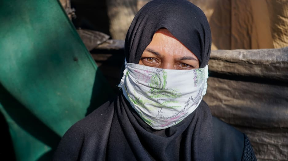 ظروف غير صحية ومخاطر.. قصة اللاجئة أميمة تحاكي ما يعانيه سكان مخيم في اليونان