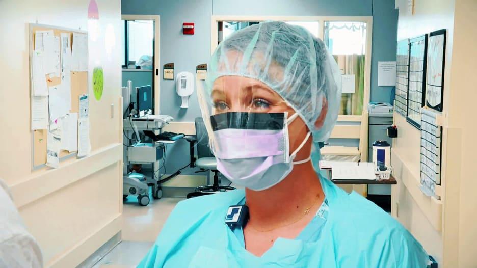 ممرضة عن وضع كورونا في أمريكا: نصلي ألا نعلن وفاة مريض آخر