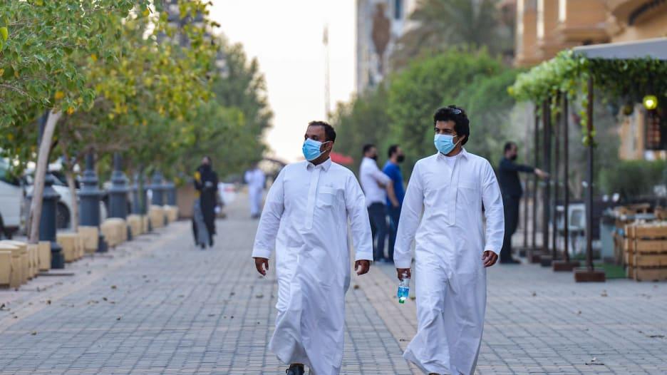 علمائها لديهم خبرة طويلة.. هل أبهرت السعودية العالم في مكافحة فيروس كورونا؟