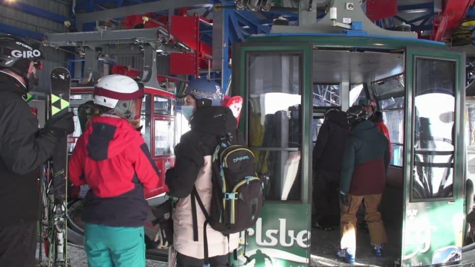 201211093002-switzerland-verbier-ski-resort-covid-19-coronavirus-bell-pkg-intl-hnk-vpx-00021122-super-169.jpg