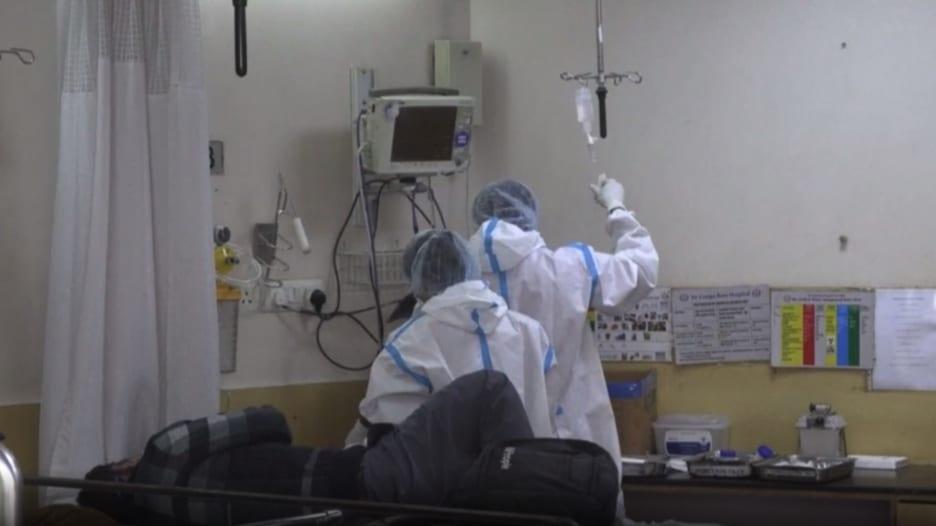 """""""فرصتها الوحيدة مناعة القطيع"""".. الهند تتخطى 10 ملايين إصابة بفيروس كورونا"""