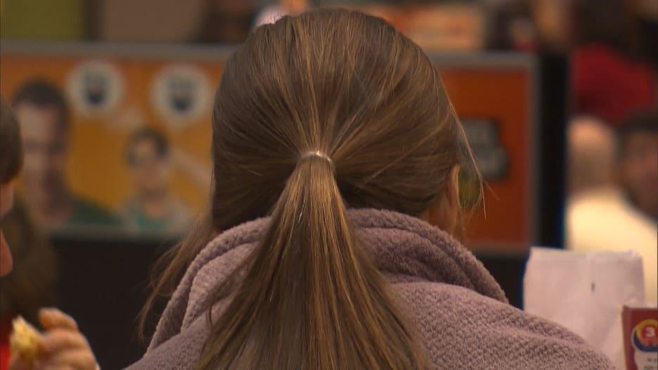 كيف تتعامل مع تغيرات الشعر المرتبطة بالعمر؟