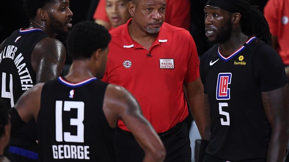 مدرب في الـNBA: لو أن من اقتحم الكابيتول كانوا من السود.. ماذا كان سيحدث؟