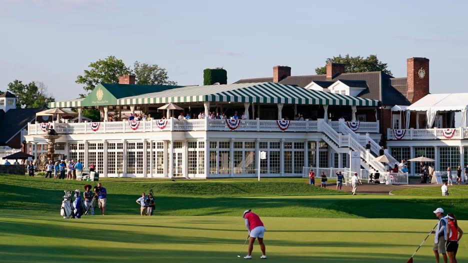 جمعية لاعبي الغولف المحترفين تلغي خططها للعب بطولة 2022 في ملعب تابع للرئيس الأمريكي دونالد ترامب