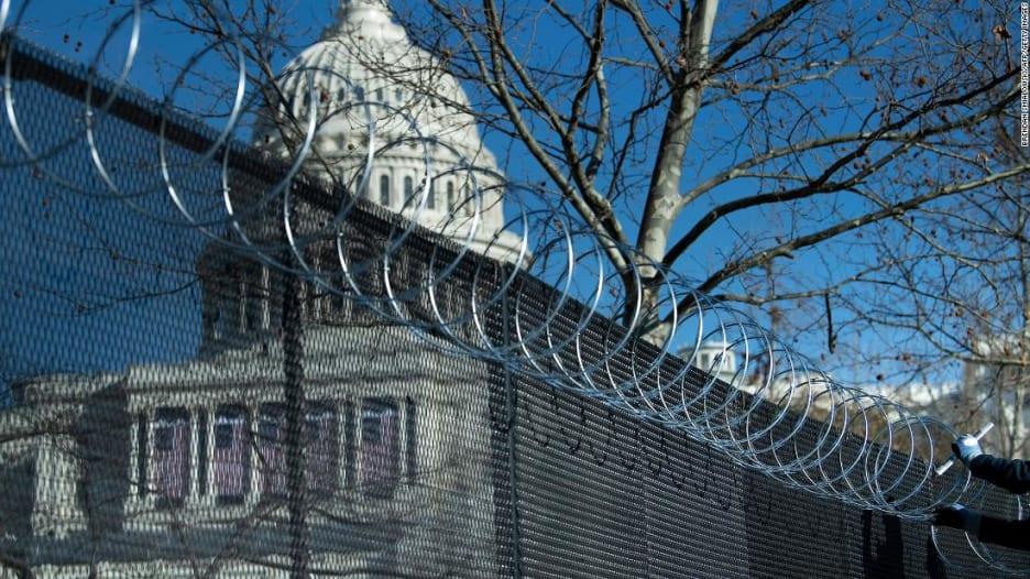 مشهد أمني غير مسبوق حول مبنى الكونغرس قبل تنصيب بايدن بأيام