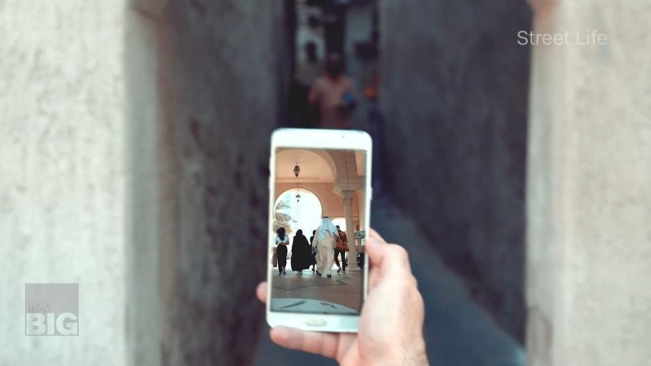 السفر من خلال الهاتف.. تطبيق يقدم جولات افتراضية عالية الحودة في دبي