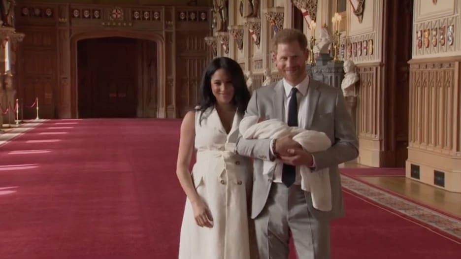 كيف يستعد الأمير هاري وميغان لحياتهما بعد الانفصال التام عن العائلة المالكة البريطانية؟